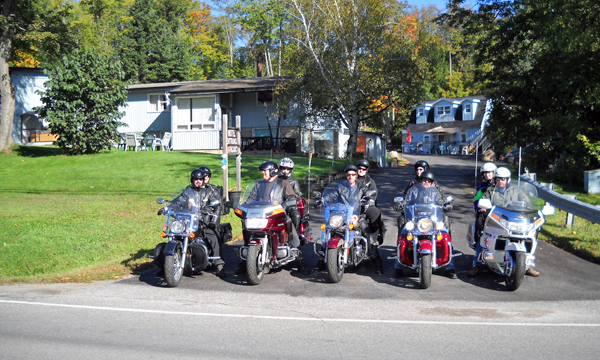 Group of motorcyclist in front of Lakeview Motel